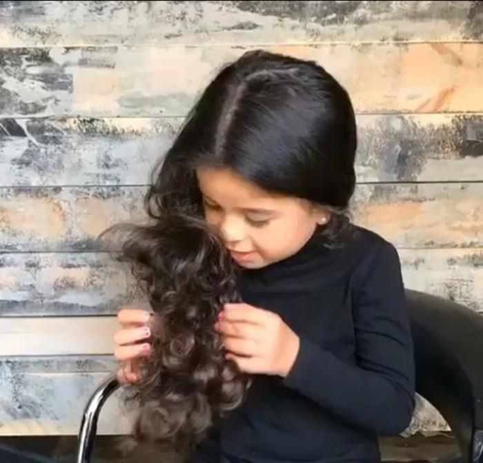 Маленькая девочка с шикарными волосами. Instagram sagidahary.