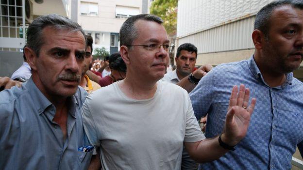 Турция освободила пастора Брансона