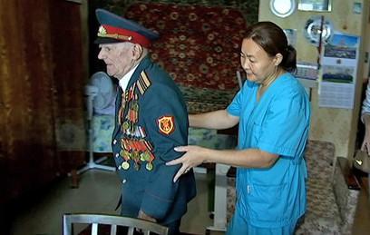 Московская служба сиделок помогает на дому сотням одиноких ветеранов