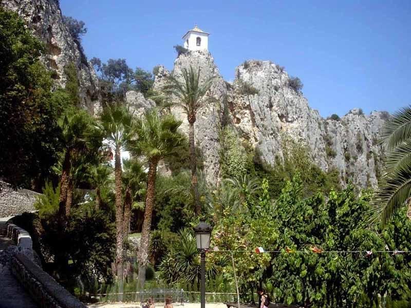Древний город в Испании