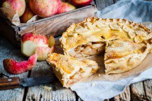 Шарлотка в горшочке и из тёртых яблок. Простые рецепты любимого пирога