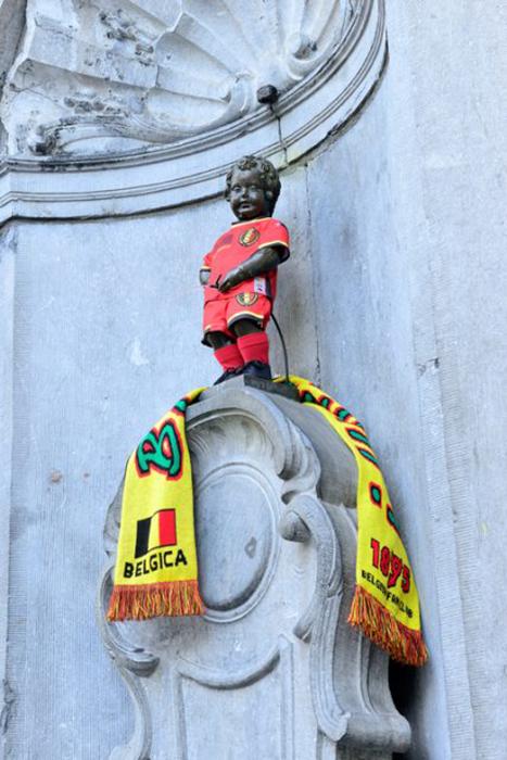 Как в Брюсселе появился Писающий мальчик и зачем ему разные наряды