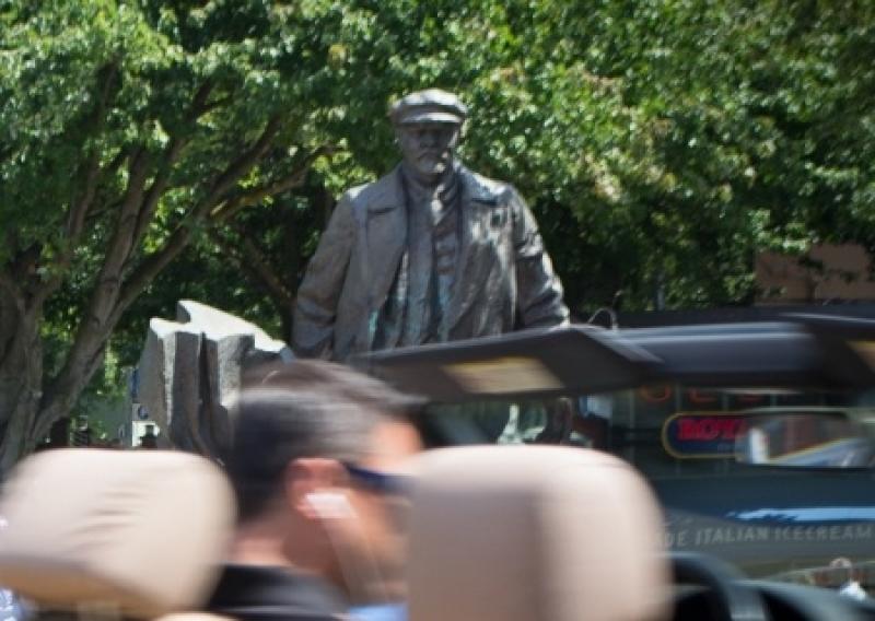 Мэр Сиэтла решил бороться с конфедератами и Лениным
