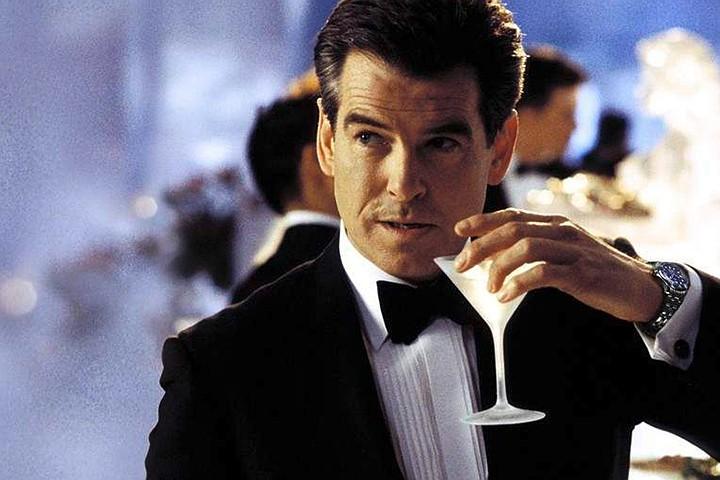 Джеймс Бонд оказался хроническим алкоголиком
