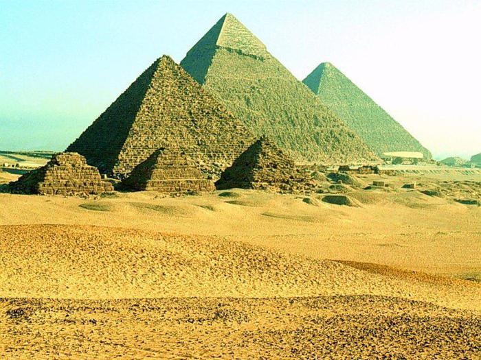 Пирамиды были хранилищами алмазов?