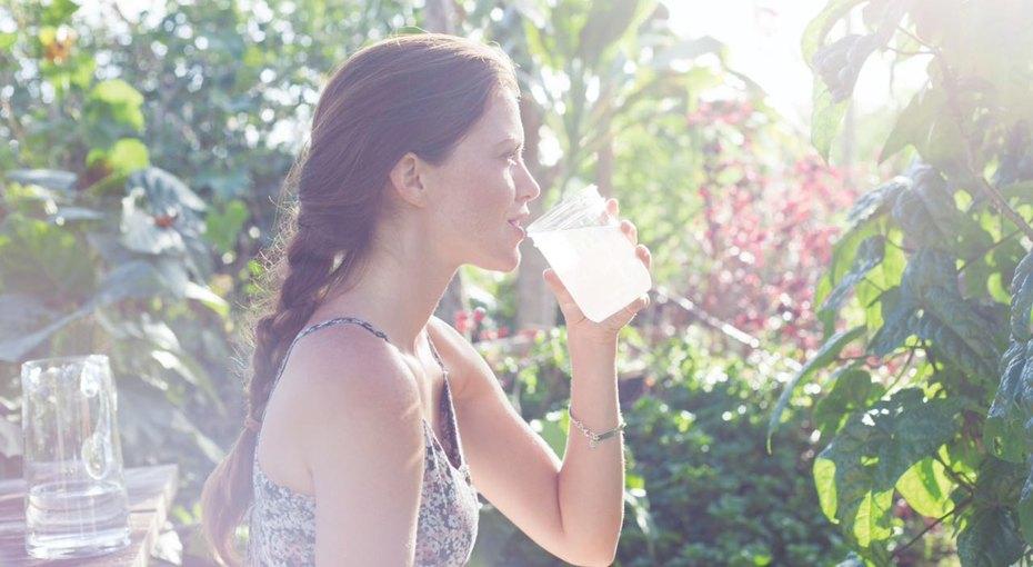 Достаточно ли вы пьете? 6 скрытых признаков того, что ваш организм задыхается от жажды