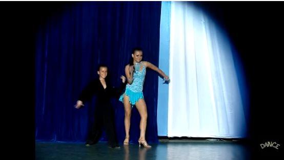 Его поставили в танец со взрослой партнершей. Но мальчик не растерялся и показал настоящий класс!