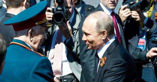 Путин не позволил охране отт…