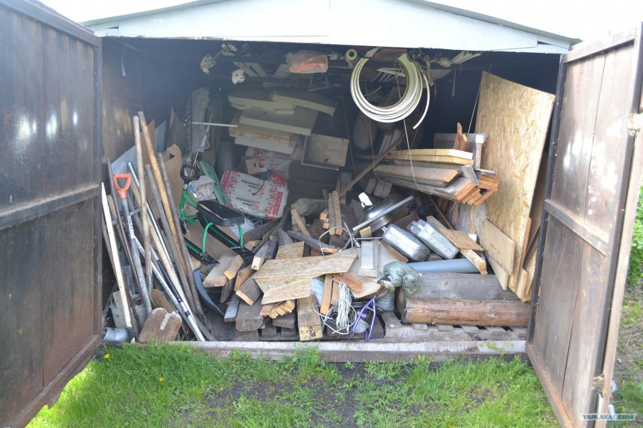 Антикризисная кухня из ненужной доски, поддонов и разного хлама