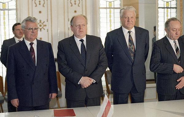 Почему Ельцина не арестовали…