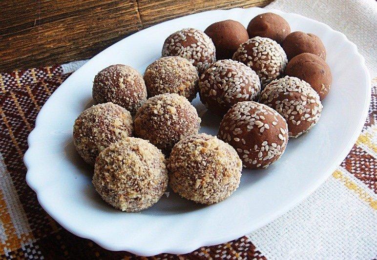 4 рецепта полезных конфет, которые легко приготовить дома