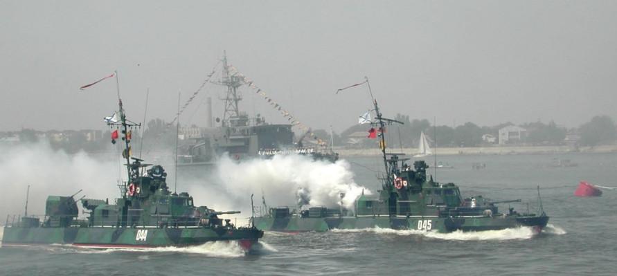 Порошенко готовится воевать с Россией за Азовское море