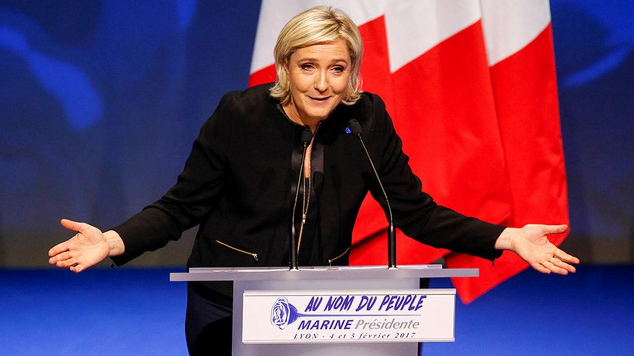 Марин Ле Пен назвала Эммануэля Макрона слабаком