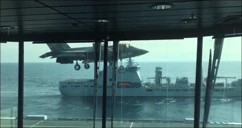 Приземление F-35 на палубу «…