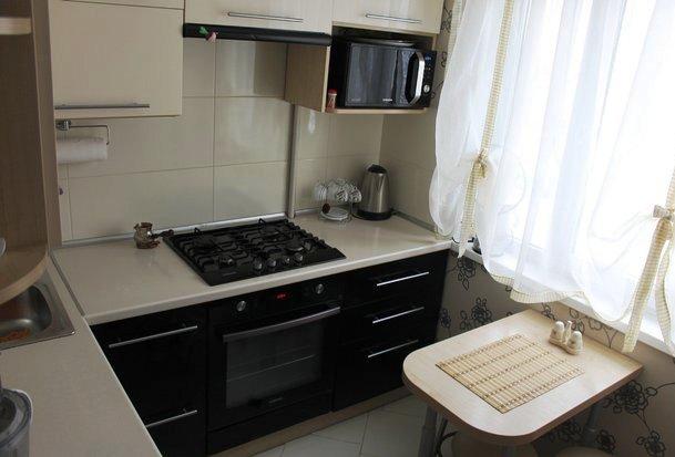 Кухня 5,6 кв.метра — мой уютный «кабинет», где все под рукой, и никто не будет мешать