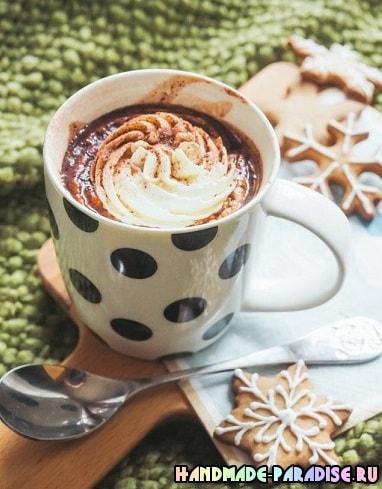 Вкусный десерт — молоко с шоколадной пастой Nutella