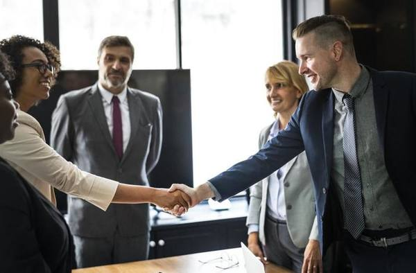 Как сгладить конфликт и понравиться собеседнику