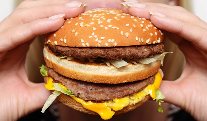McDonald's отбирает чизбурге…