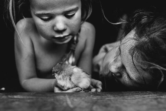 Босоногое детство: душевные снимки детей, проводящих лето без компьютеров и телефонов