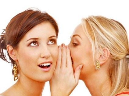 Почему все женщины сплетничают?