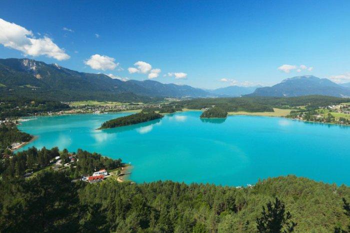 Чистота воды позволяет увидеть дно на всей протяженности озера, которую можно пить без всякой предварительной очистки.