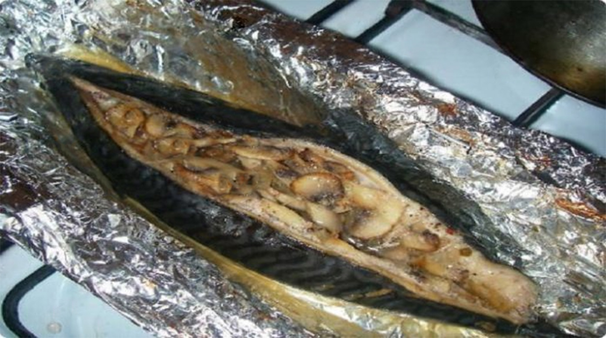 Фаршированная скумбрия. Шикарное блюдо на праздничный стол (подробный фото рецепт)