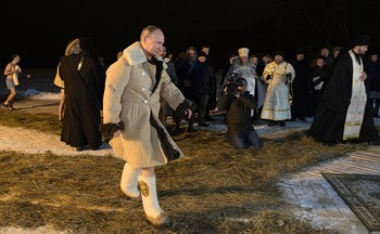 Песков рассказал о купаниях Путина на Крещение