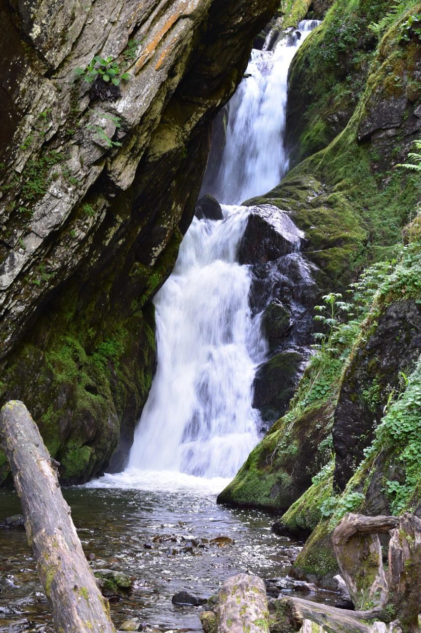 Водопады Телецкого озера
