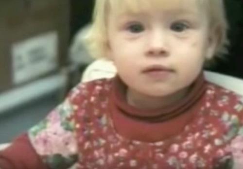 Мать бросила свою дочь в роддоме, а через 20 лет узнала, что она стала звездой