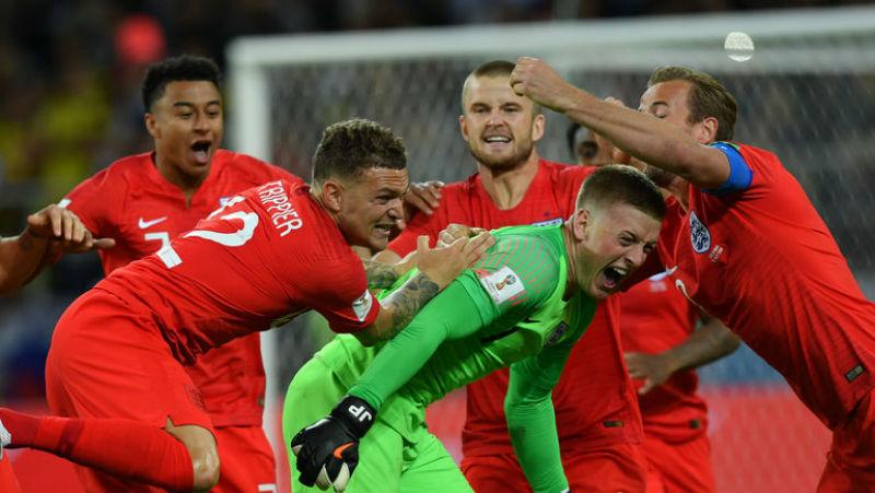 Футбол против искусства: в британском театре прервали спектакль из-за двух фанаток сборной Англии