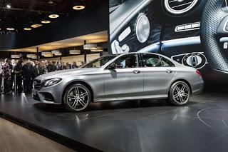 Как делают краш-тест Mercedes-Benz Е-класса