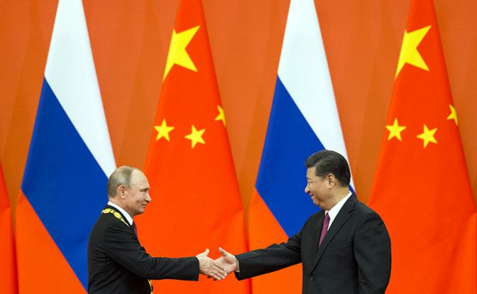 Китай зовет Россию отнять власть над миром у США