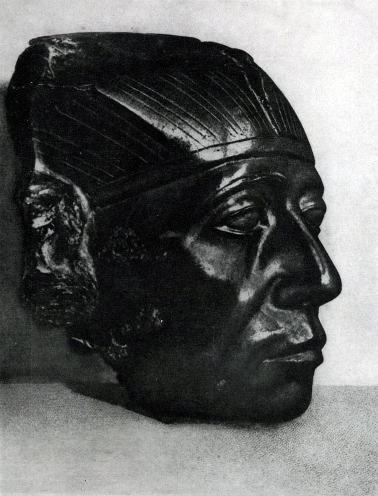 4. Статуя, высеченная из цельного куска черного диорита. Египетский музей. древний египет, история, технологии