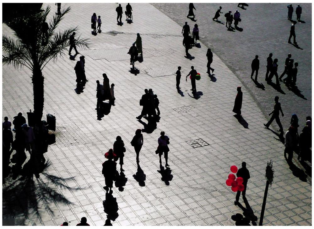Шедевры от мастеров уличной фотографии: реальная жизнь в каждом снимке 26