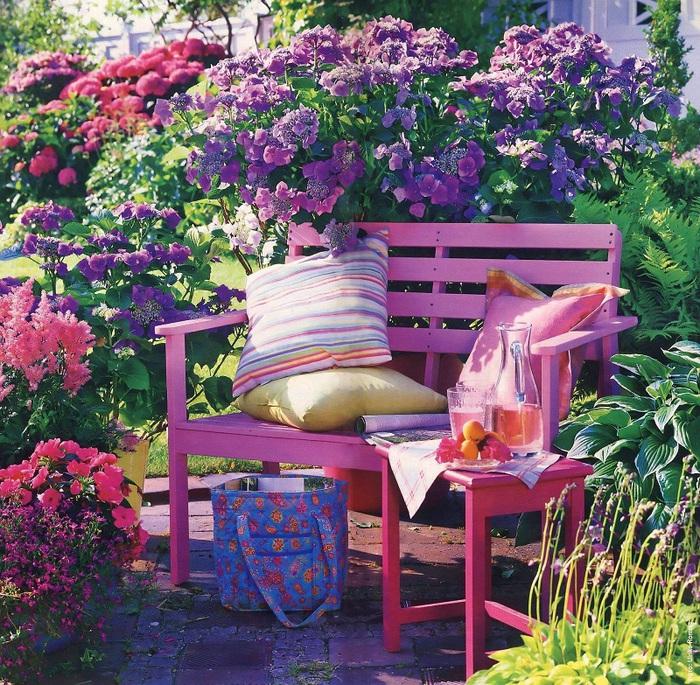 Самые красивые цветники на даче