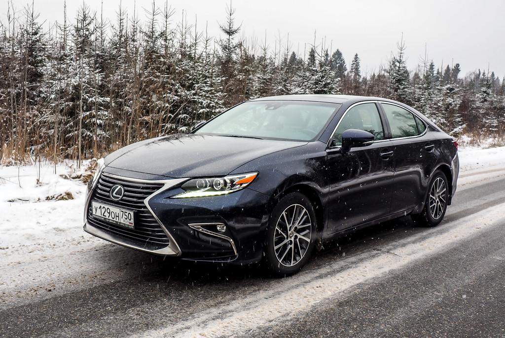 Пробуем на вкус Lexus ES 250: дегустация на заснеженной дороге