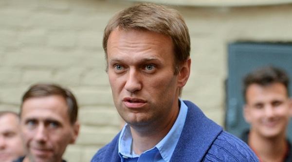 Оппозиционер Алексей Навальный вышел насвободу после 20 суток ареста
