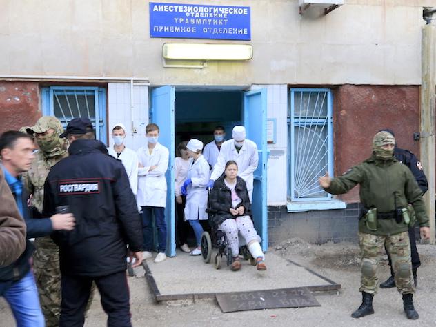 У раненых в колледже Керчи началась инфекция из-за грязной начинки бомбы