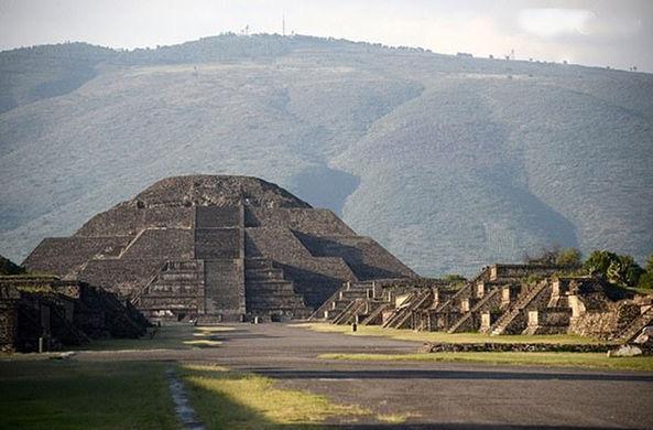 Раскрыт секрет туннеля и пещеры под пирамидой Луны в Мексике