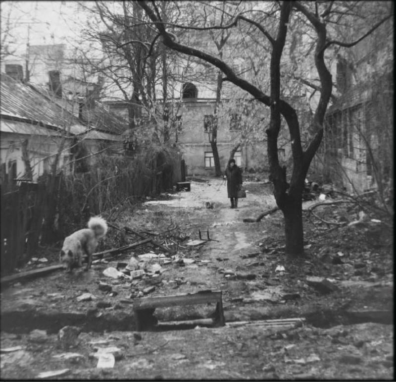 Московские дворики 1980-х годов в замечательных снимках Геннадия Михеева