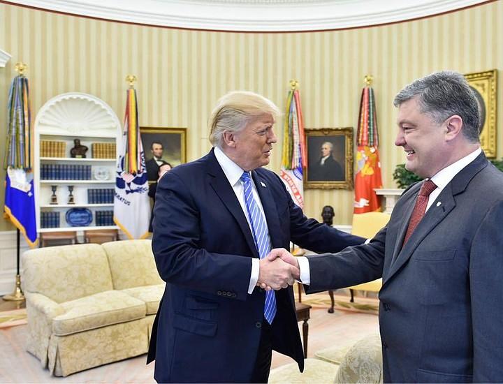 Порошенко уверен, что Украина остается приоритетом для США и НАТО