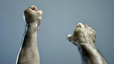 СМИ сообщили о новой версии драки на Хованском кладбище