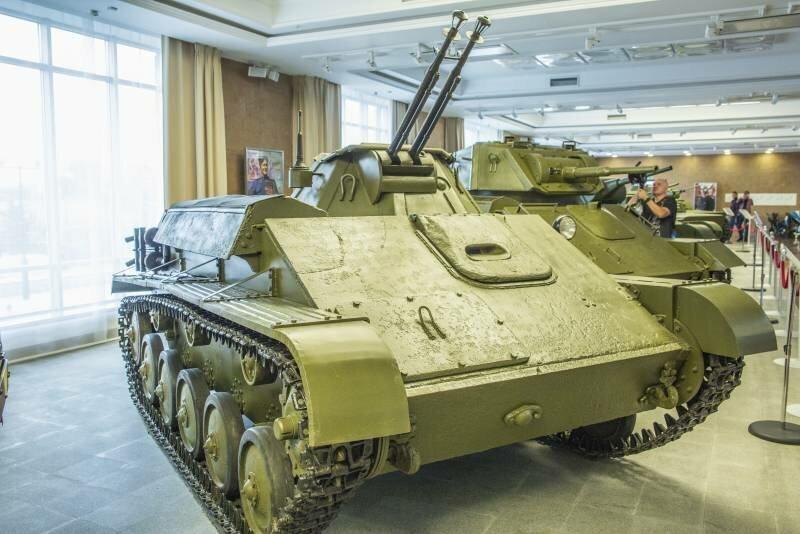 Рассказы об оружии. Зенитный танк Т-90. Дедушка «Шилки» и «Тунгуски»