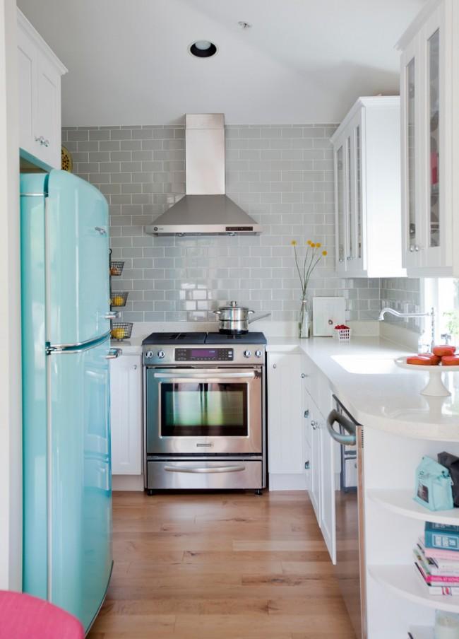 В небольшой кухне важен каждый сантиметр свободного места, поэтому здесь очень важно грамотно спроектировать кухонный гарнитур