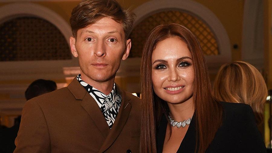 Утяшеву и Волю подозревают в разводе, кто-то продал квартиру Федосеевой-Шукшиной, Сябитова закрыла брачное агентство, а Бекхэм рассердил фанатов