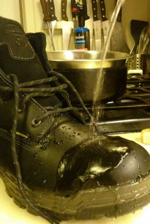 Как сделать свои ботинки водонепроницаемыми