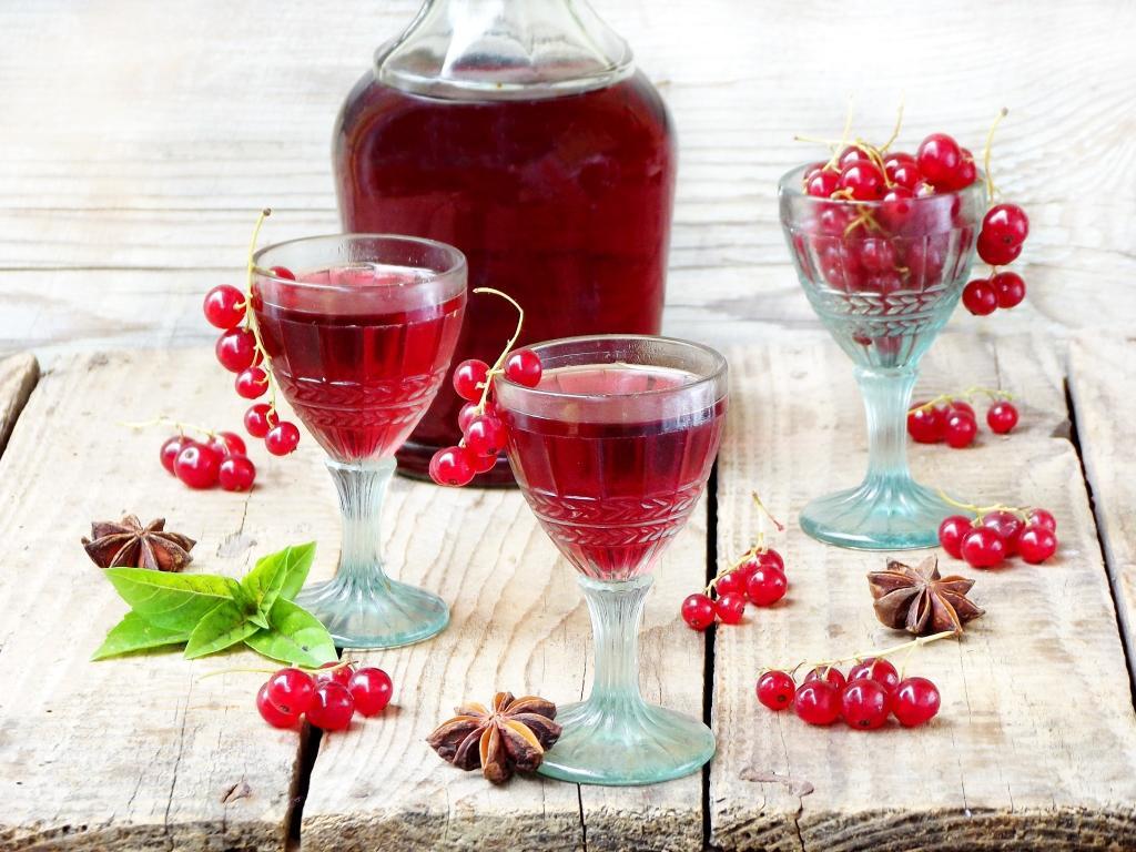 Смородина настойка, рецепты настоек, настойки +на спирту,