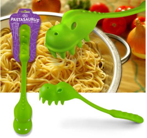 dinosaur-pasta-server