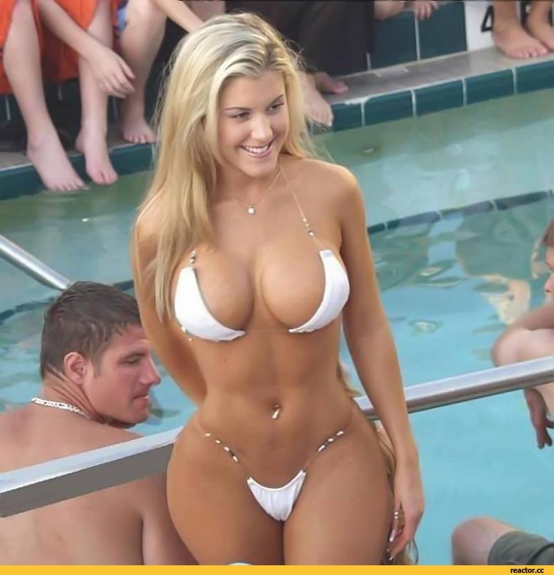 Блондинка сдает экзамен по черчению. Абсолютно нулёвая