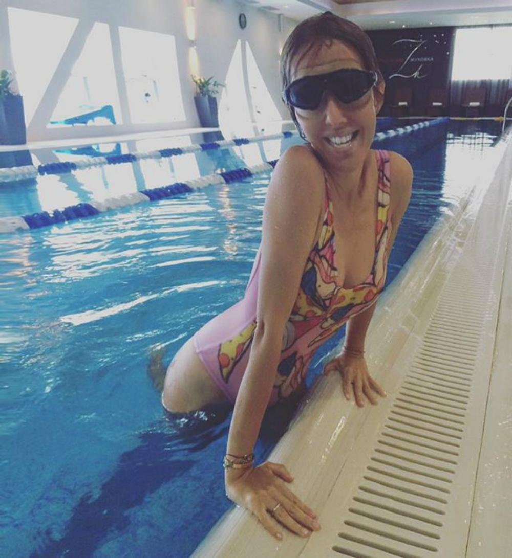 Собчак выложила пугающее фото из бассейна и назвала себя страшной